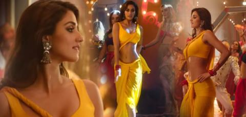 Disha Patani Copied Tip Tip Barsa Pani Looks From Raveena Tandon 4