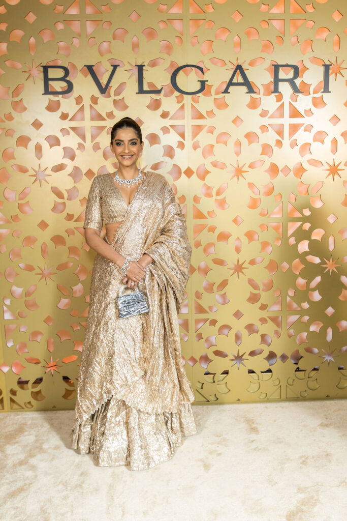 Fashion Icon Sonam Kapoor unveils the Jannah Collection, See Pics 2