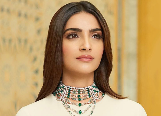 Fashion Icon Sonam Kapoor unveils the Jannah Collection, See Pics 3