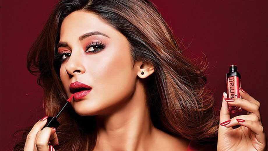 Jennifer Winget looks quite sultry and chic in these ...