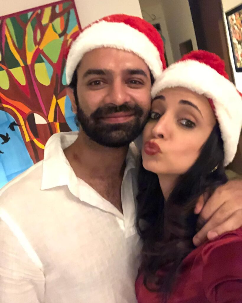 Know more about Is Pyaar Ko Kya Naam Doon stars' off-screen bonding 1