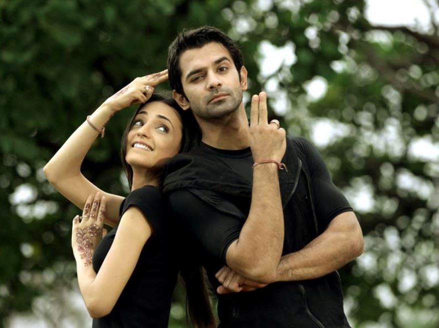 Know more about Iss Pyaar Ko Kya Naam Doon stars' off-screen bonding 1