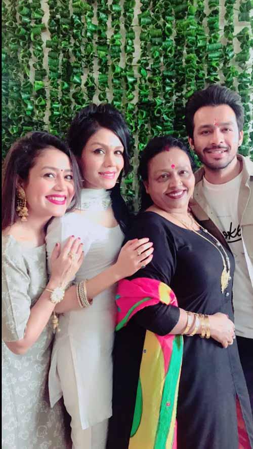 Meet The Real Family Of Popular Singer Neha Kakkar Iwmbuzz