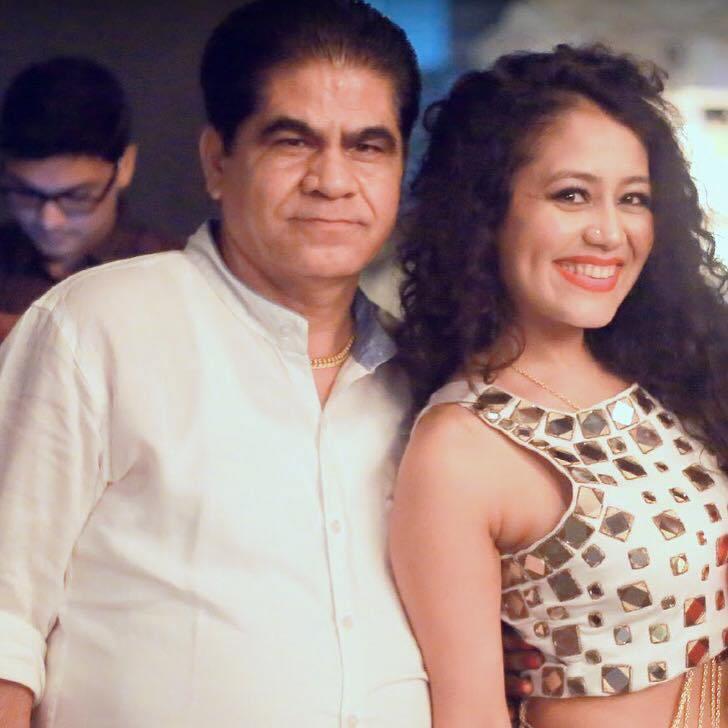 Meet the real family of popular singer Neha Kakkar 4