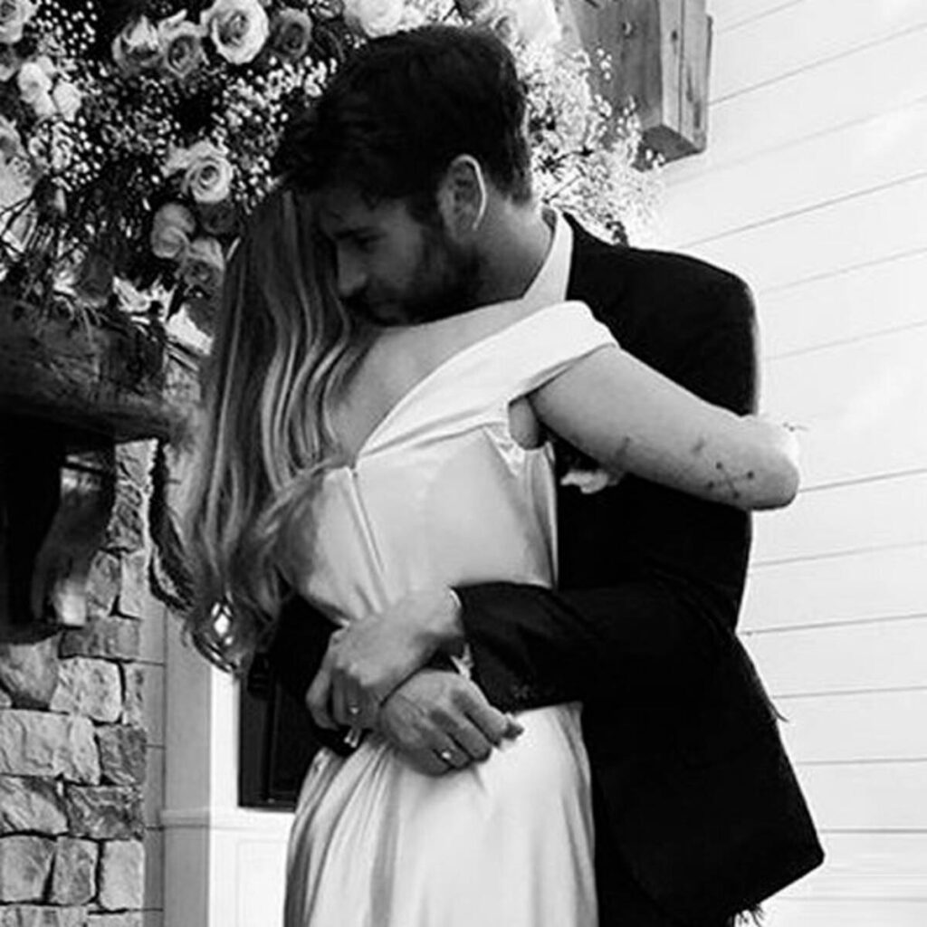 Need Inspiration for your wedding? Check out this gorgeous Miley Cyrus Bridal look 4