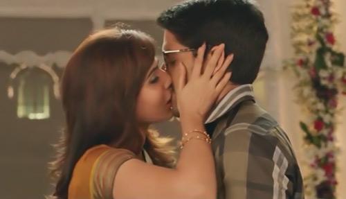 Prabhas And Anushka, Samantha and Nag Chaitanya, Allu Arjun and Deeksha Seth: Best Iconic Kisses In Tollywood On This KISS DAY 2