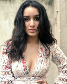 Shraddha Kapoor's most awkward moments in uncomfortable outfits 1
