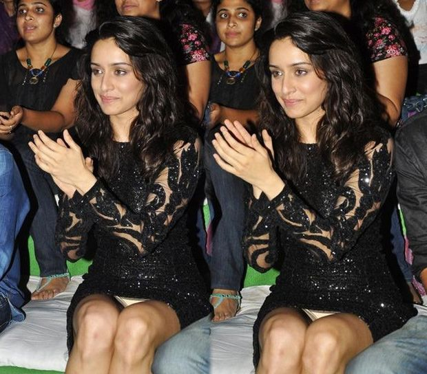 Shraddha Kapoor's most awkward moments in uncomfortable outfits 4