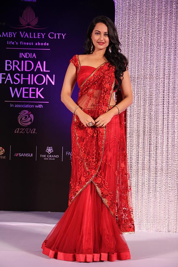 Sonakshi Sinha Stuns Completely In Floral Saree 2