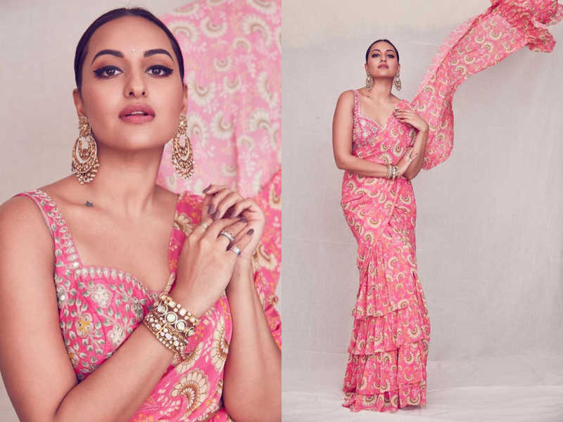 Sonakshi Sinha Stuns Completely In Floral Saree 3