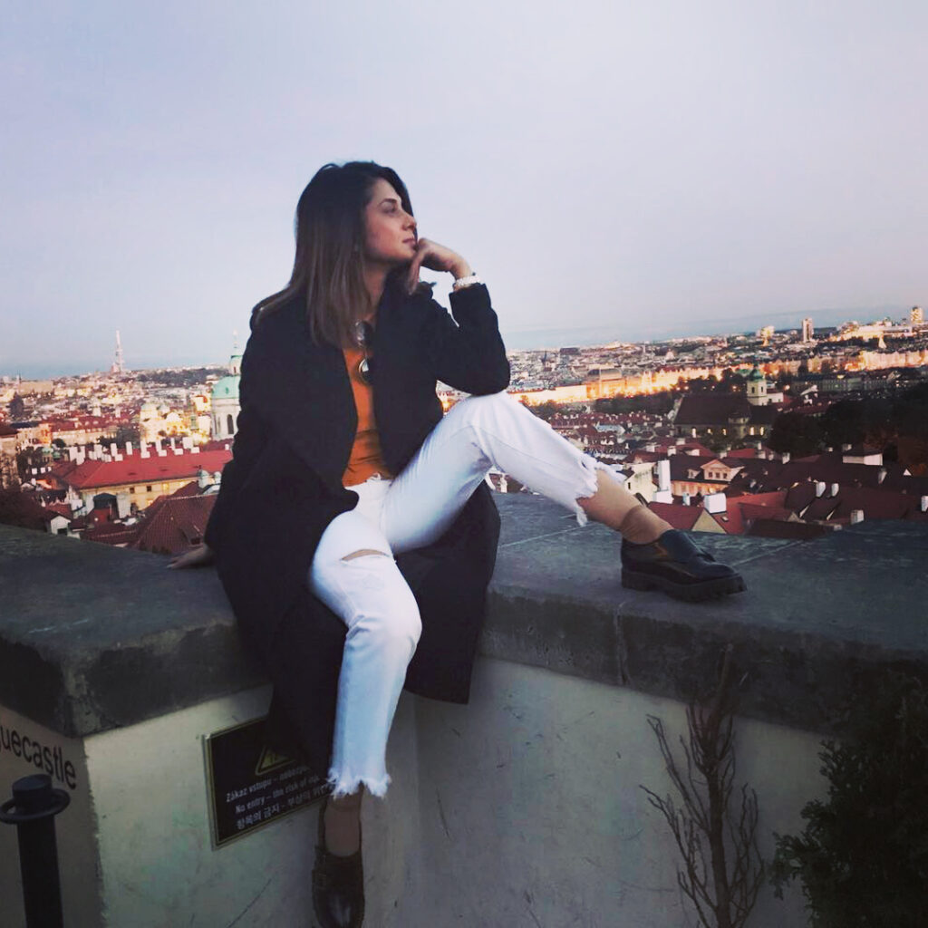 Take a swagger casual outfit look inspiration from Jennifer Winget