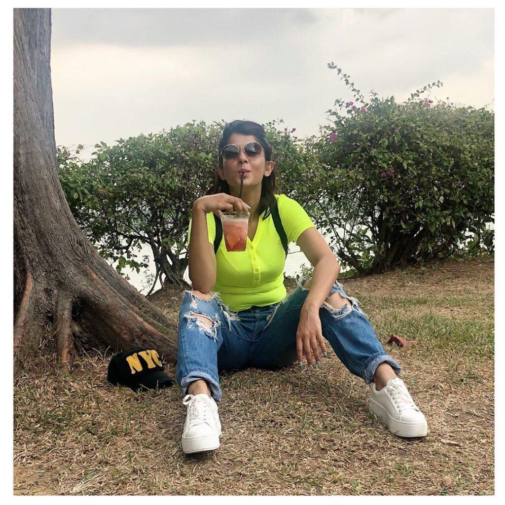 Take a swagger casual outfit look inspiration from Jennifer Winget 1