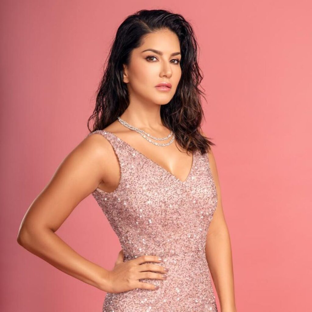 Top style moments of Sunny Leone on Instagram 4
