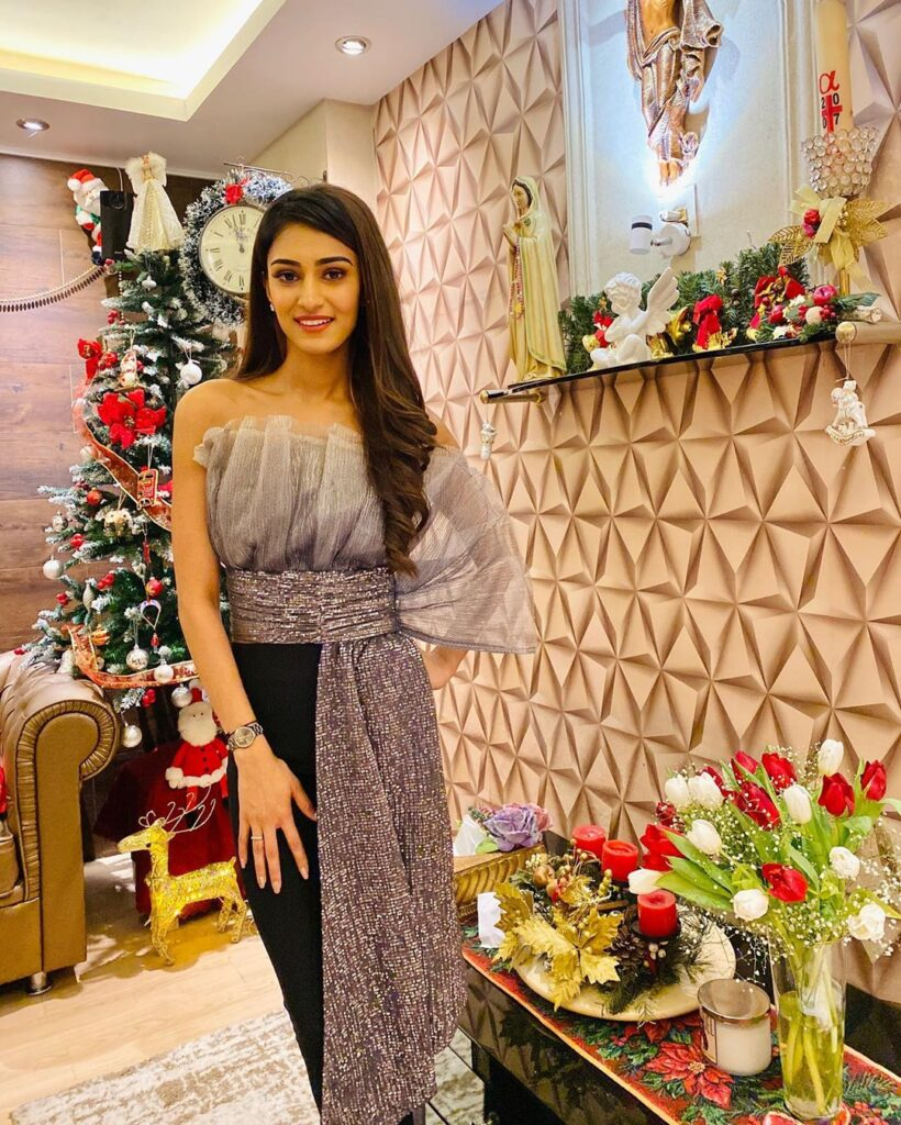 Try these glittery outfits to sparkle brightly like Erica Fernandes 6
