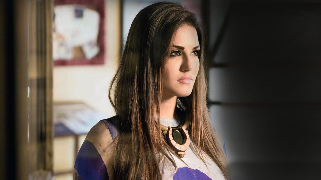 What is the secret of Sunny Leone's glowing skin? 1