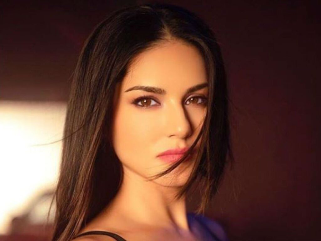 What is the secret of Sunny Leone's glowing skin? 2