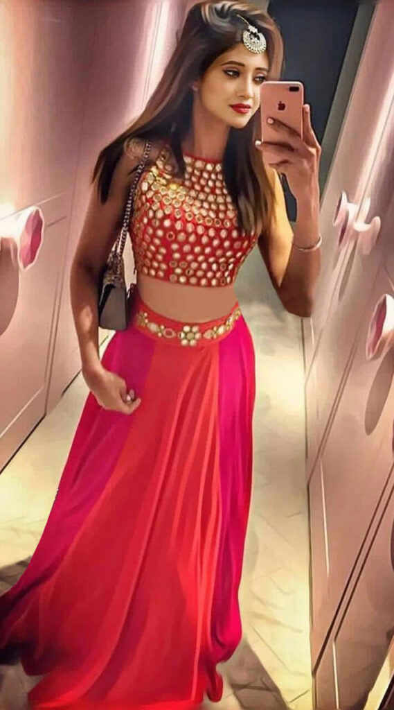 When Shivangi Joshi dresses in pink 4