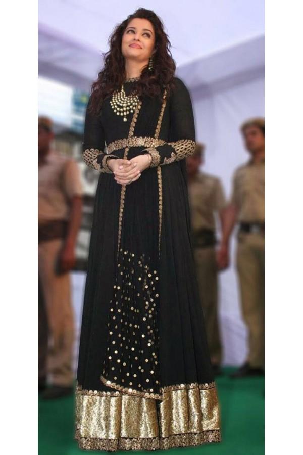 Aishwarya Rai Bachchan is the quintessential 'Woman In Black' 4