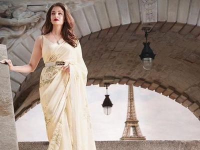 Aishwarya Rai Bachchan's Look in Sabyasachi saree will make your money worth it! 2
