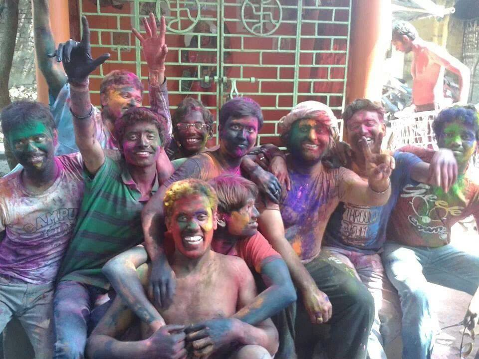 Can you guess who is in Arijit Singh's Holi picture?