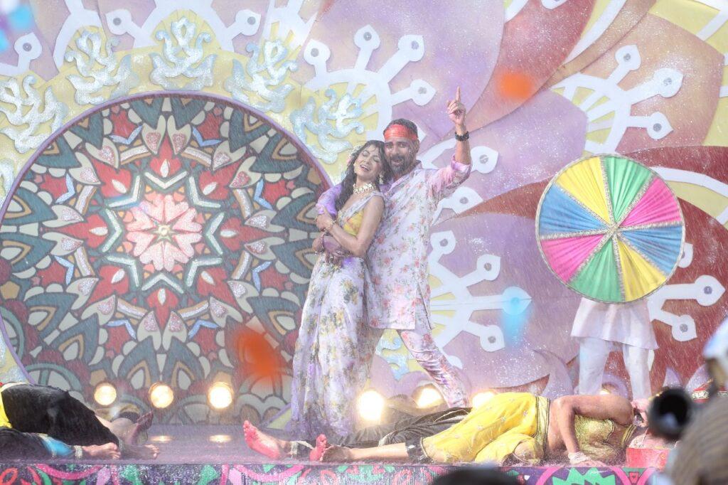 Kumkum Bhagya: Abhi and Pragya have an evergreen Holi moment 5