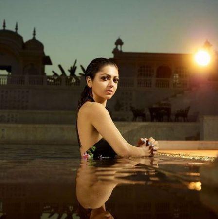 These Drashti Dhami Pool Pictures will make boys go crazy 2
