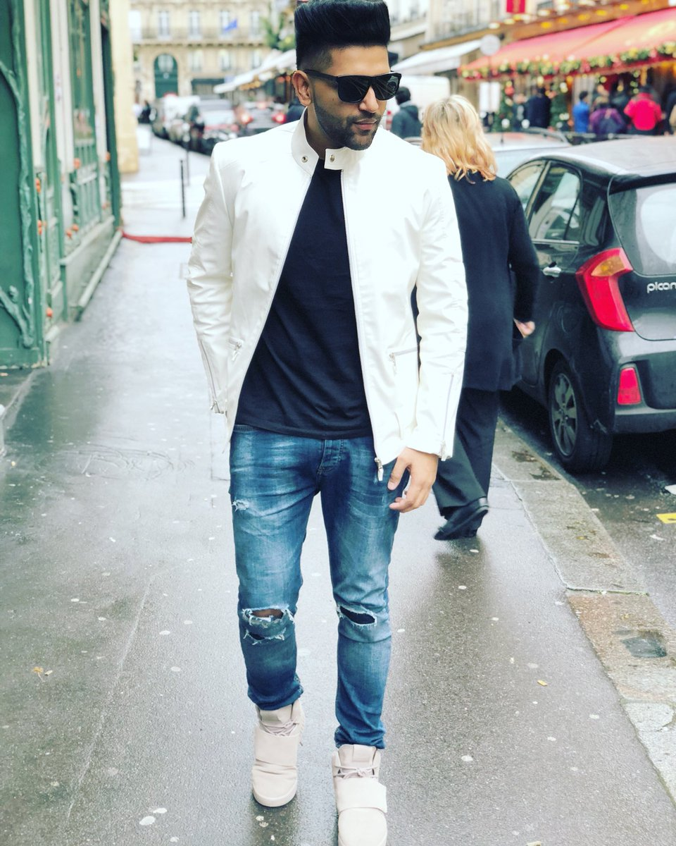 Guru Randhawa is a true fashionista, and his latest Instagram pictures are proof! 9