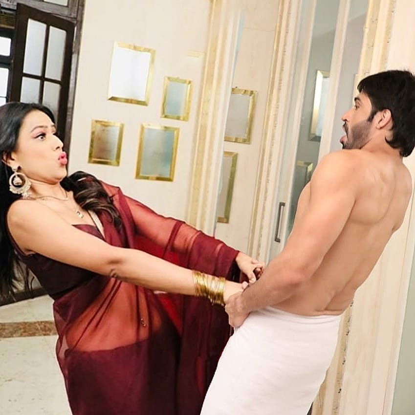 Mesmerizing Romance in Naagin: From Ritik-Shivanya to Dev-Brinda 2