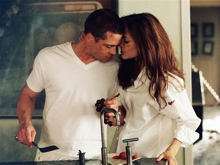 Angelina Jolie, Scarlett Johansson, Nicole Kidman, Kristen Stewart: 5 Hollywood moments that show passionate love