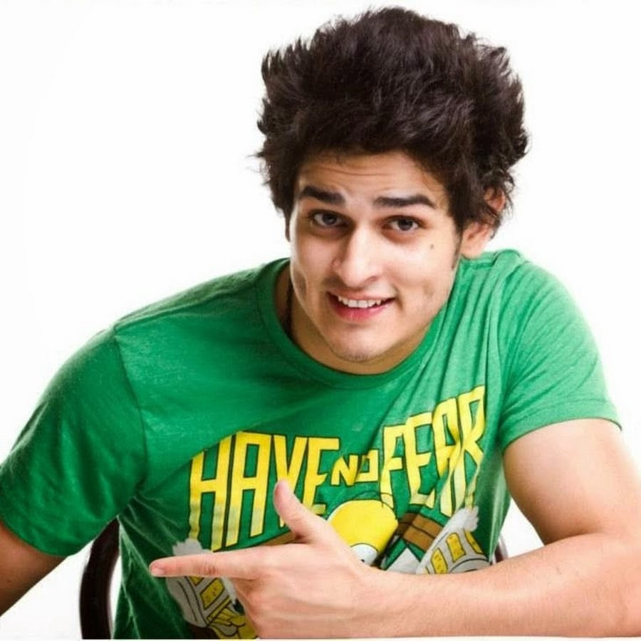 Check Now: Unseen Pictures Of Young Priyank Sharma 1