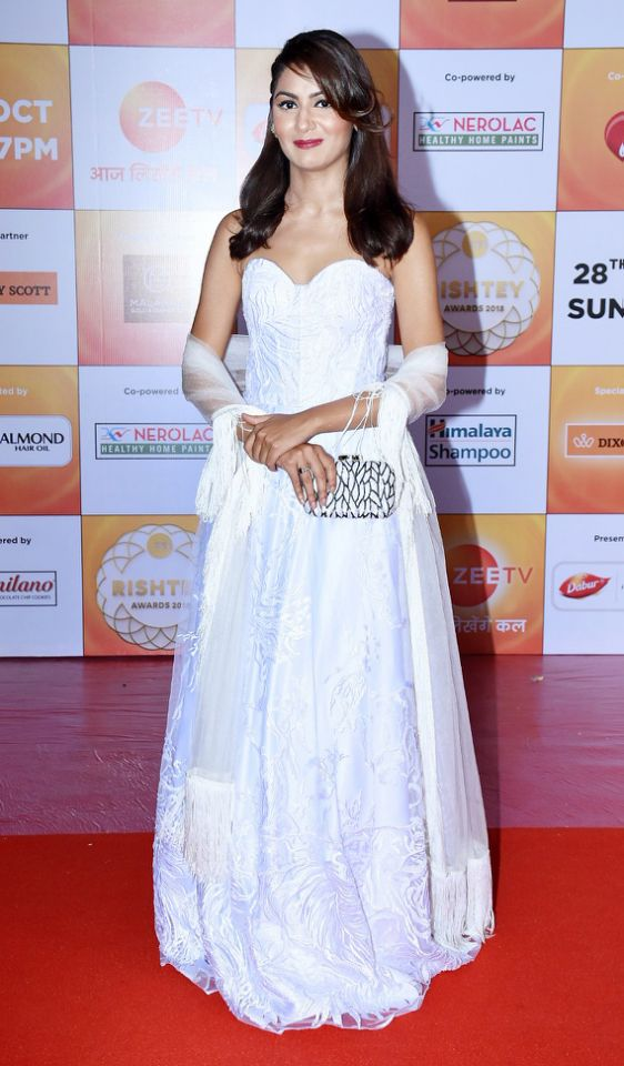 Hina Khan, Sriti Jha, Sanaya Irani: The Queen of Red Carpet? 1
