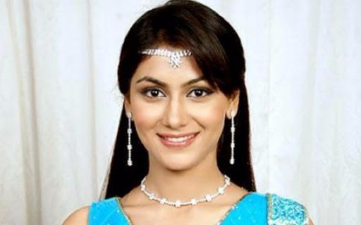 Hina Khan, Sriti Jha, Shrenu Parikh: 5 Ways To Wear Necklace Like A Pro 1