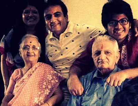 Meet Taarak Mehta Ka Ooltah Chashmah Fame Jethalal Aka Dilip Joshi's Real Family 3