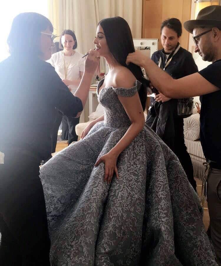 Rare Picture of Aishwarya Rai Bachchan Getting Dolled Up In A Cinderella Dress