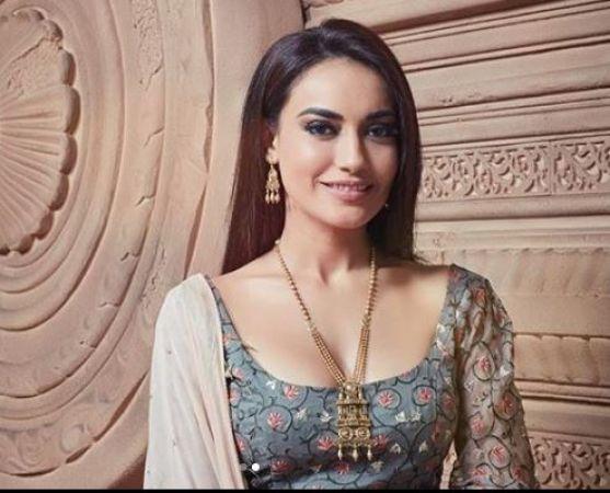 Surbhi Jyoti, Anita Hassanandani, Nia Sharma: Add These Jewellery Statements In Your Wish-List!