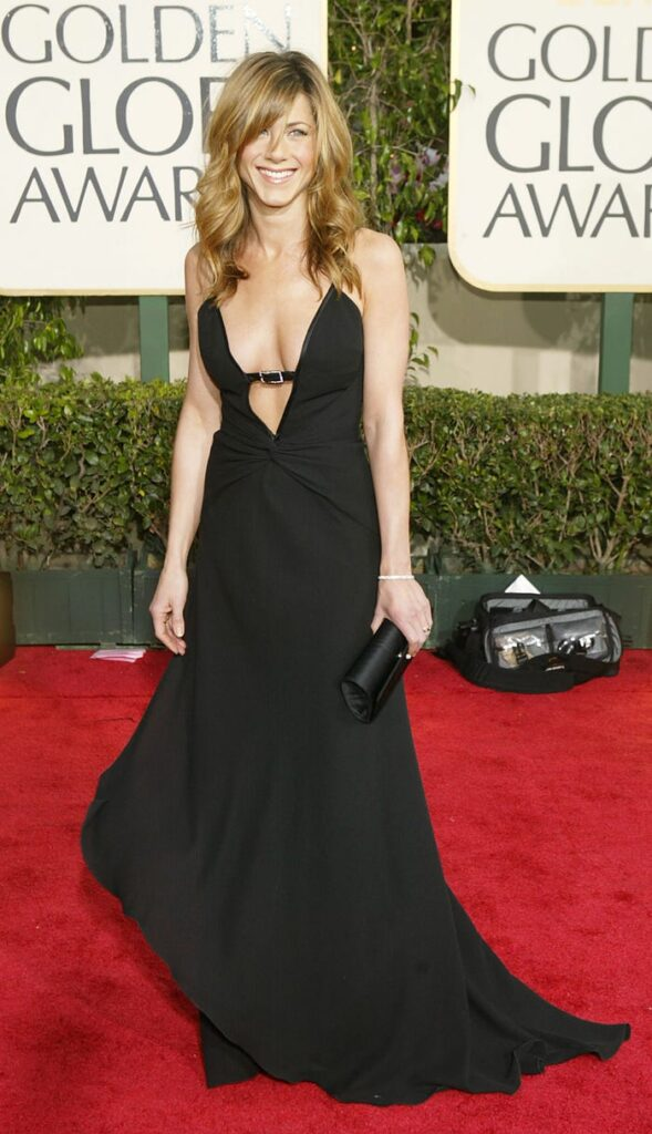 Then and Now: Jennifer Aniston Style Transformation 4
