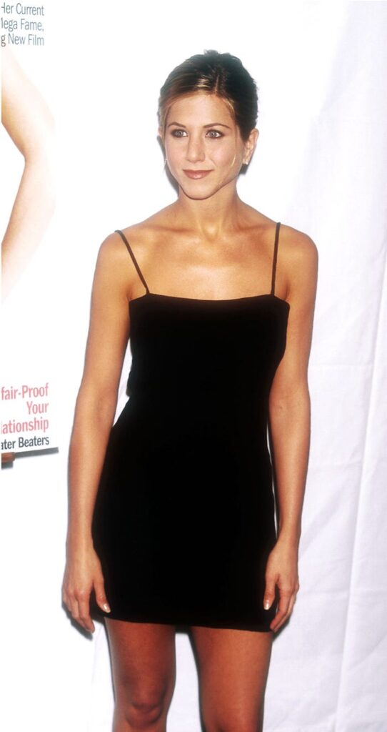 Then and Now: Jennifer Aniston Style Transformation 8