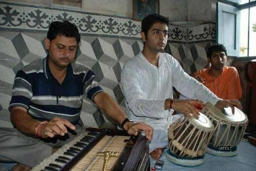 Check Now: Unseen Pictures Of Arijit Singh 1