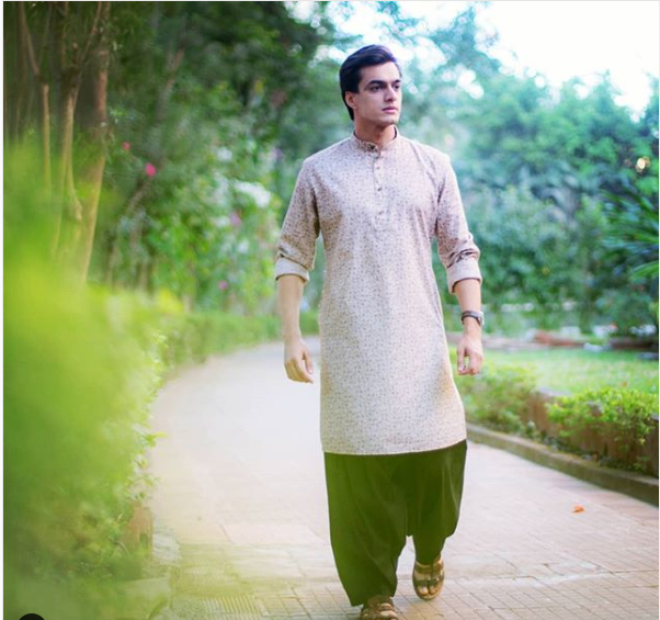 Check Out! Mohsin Khan's Instagram For Ethnic Outfit Inspiration! 1