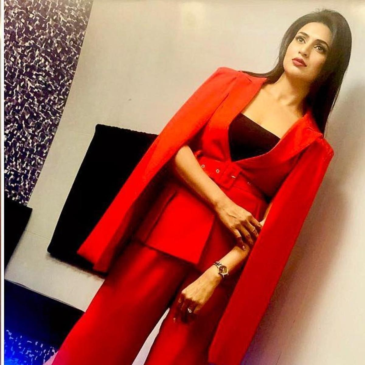 Divyanka Tripathi in statement sleeves or pantsuits: Which trend is your favourite?