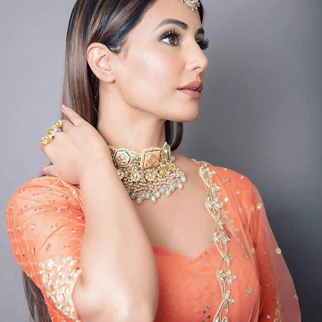 Do you know Hina Khan is really popular on social media? 2