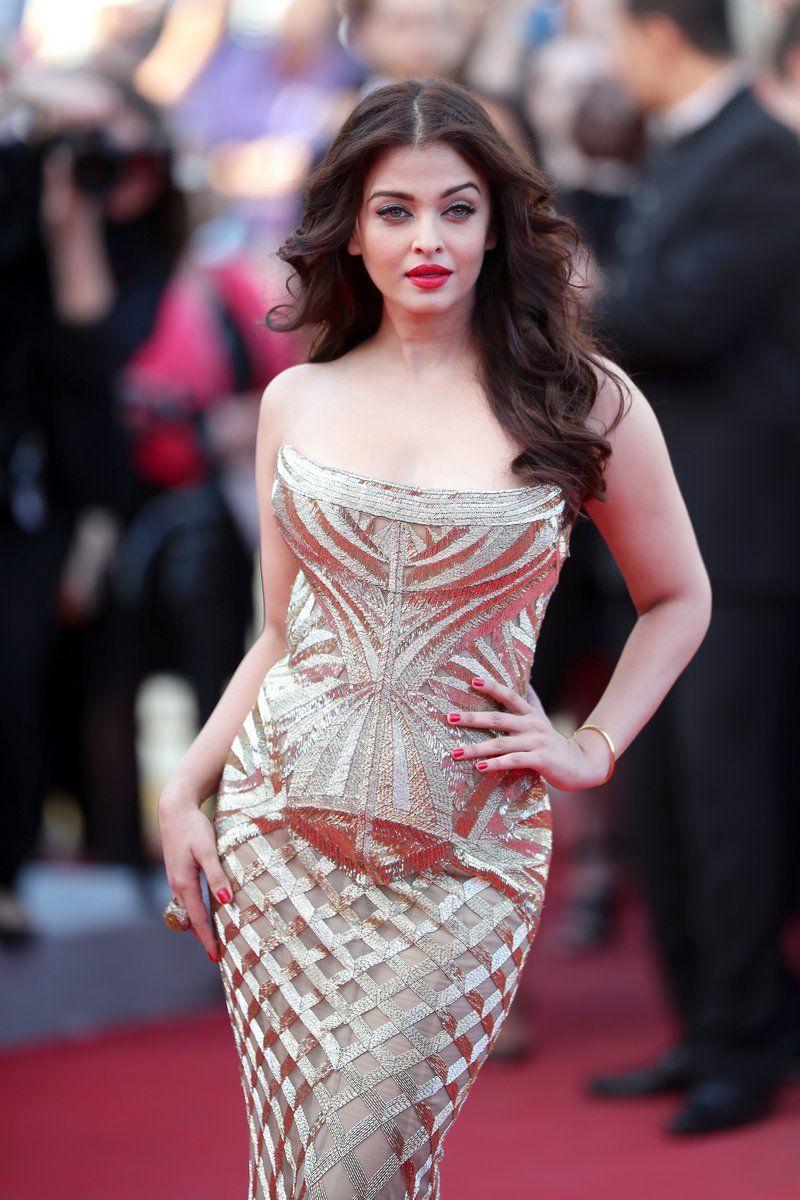 Every time Aishwarya Rai Bachchan Dazzled in SEXY Bodycon Outfits!