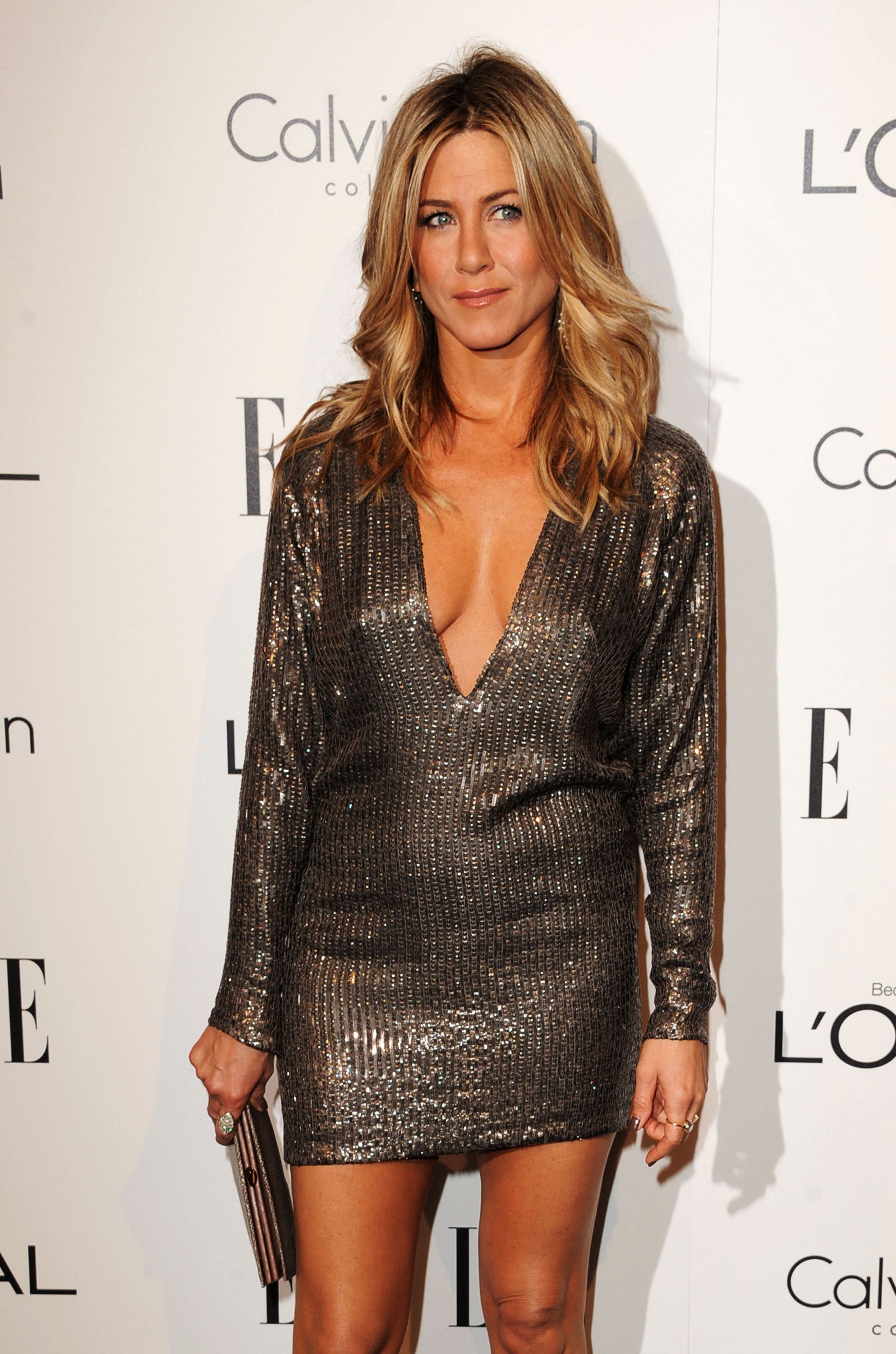 Jennifer Aniston In Off-Shoulder Or Long Sleeves: Which Look Do You Like The Most? 2