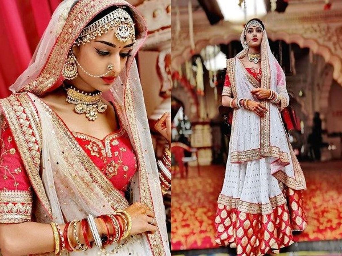 Jennifer Winget VS Shivangi Joshi VS Erica Fernandes: Whose Lehenga Look Is Perfect For Lockdown Wedding? 2