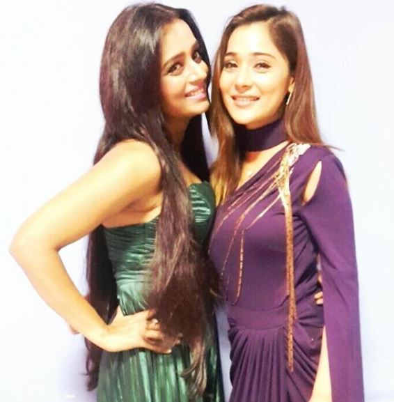 A Look Back At Parul Chauhan And Sara Khan's Friendship Moments 2