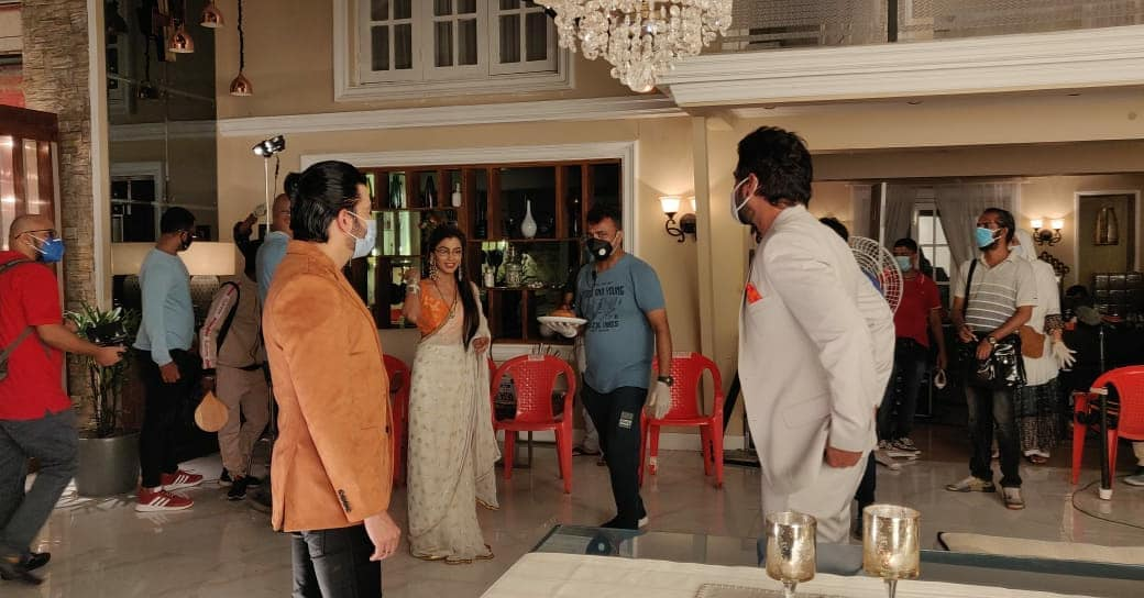 Check Out! Latest Photos From The Set Of Kumkum Bhagya 3