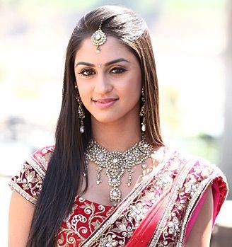 Check Out The Saree Looks Of Shivangi Joshi, Krystle D'Souza And Eisha Singh 6