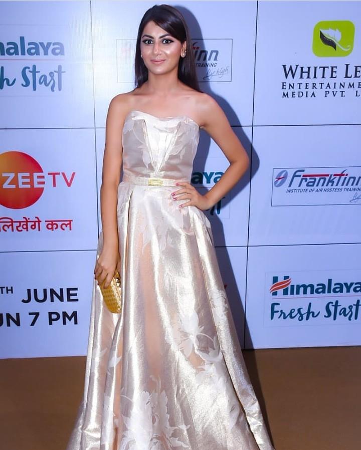 Divyanka Tripathi VS Sanaya Irani VS Surbhi Jyoti VS Sriti Jha: Best look in a gown dress 2