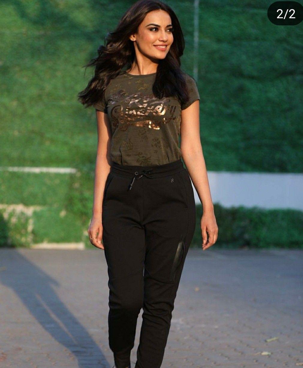 Jennifer Winget, Surbhi Jyoti, Reem Shaikh: Who Looks Stylish In BLACK PANT? 1