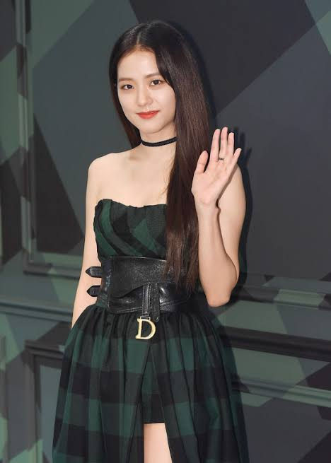 Jisoo VS Jennie VS Sunmi: Who's HOTTEST In High Slit Gown?